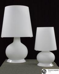 Candida piccola e media in vetro bianco
